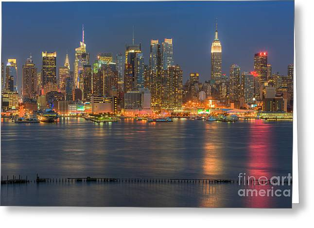 Nast Greeting Cards - Manhattan Twilight II Greeting Card by Clarence Holmes
