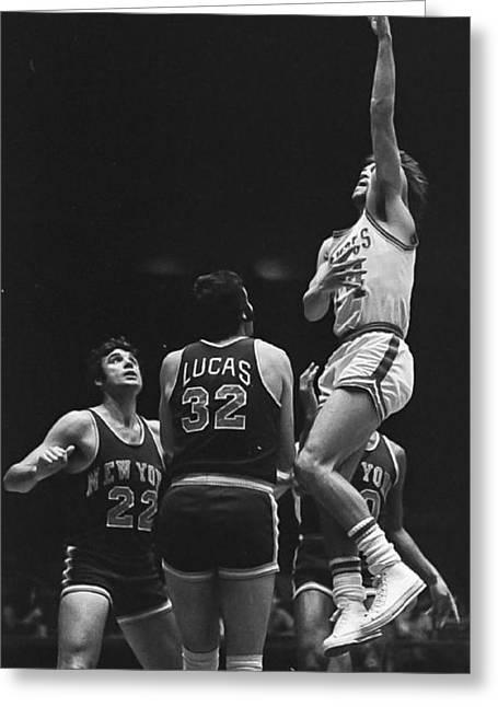 Knicks Greeting Cards - Mike Newlin Greeting Card by Richard Yee