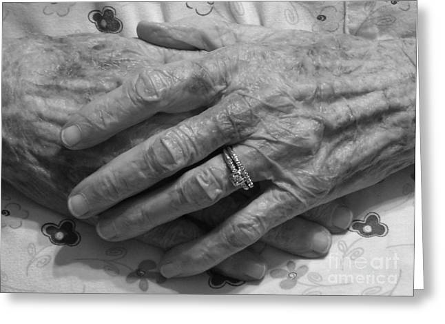 Rings On Fingers Greeting Cards - Mommas Hands Greeting Card by D Hackett