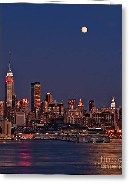 Super Moon Greeting Cards - Moon Rise Over Manhattan Greeting Card by Susan Candelario