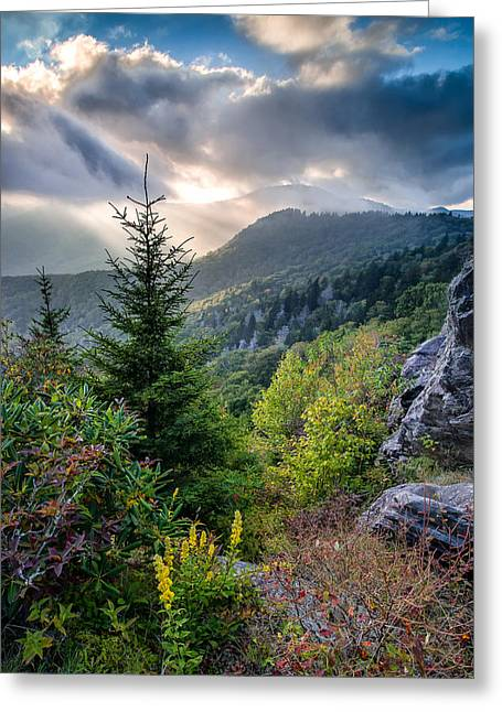 God Beams Greeting Cards - Mountain Interlude Greeting Card by Rob Travis