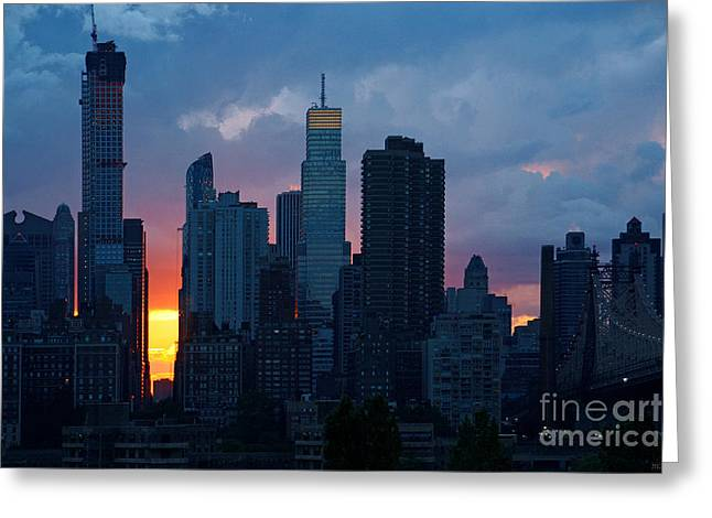 Wolkenkratzer Greeting Cards - New York City Sunset Skyline Greeting Card by Meleah Fotografie