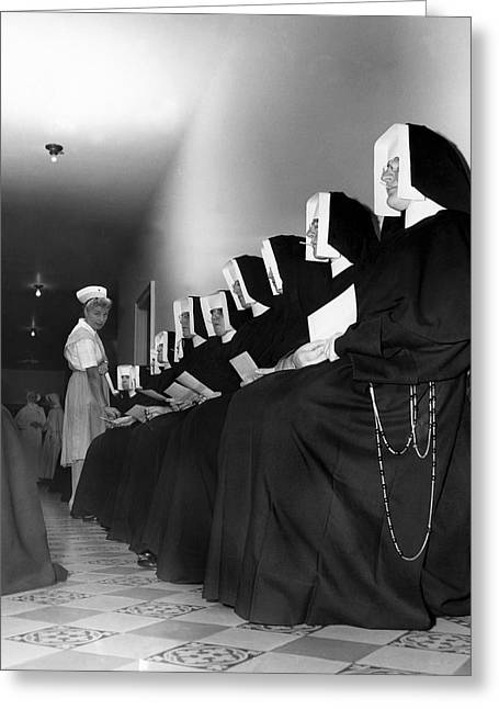 Nuns Donate Blood For Troops Greeting Card by Underwood Archives
