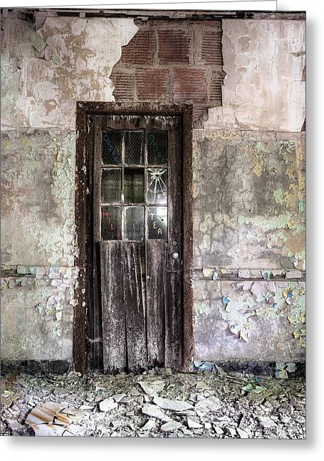 Spooky Greeting Cards - Old Door - Abandoned building - Tea Greeting Card by Gary Heller