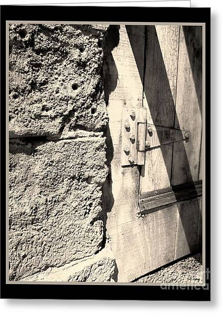 Glenn Mccarthy Greeting Cards - On A Hinge Greeting Card by Glenn McCarthy Art and Photography