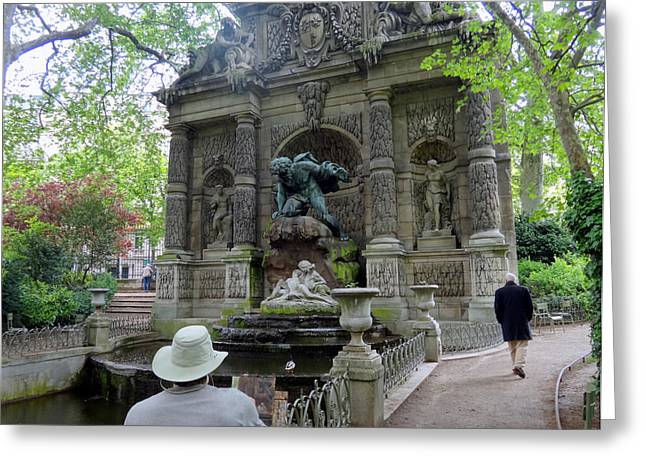 Pond In Park Greeting Cards - Painting the Fontaine de Medicis  Greeting Card by Linda Larson Marshutz