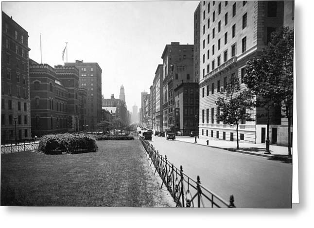 Park Avenue In New York City Greeting Card by Underwood Archives