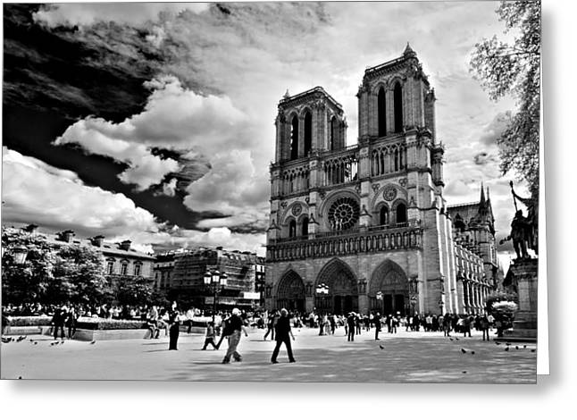 Parvis Notre Dame / Paris Greeting Card by Barry O Carroll