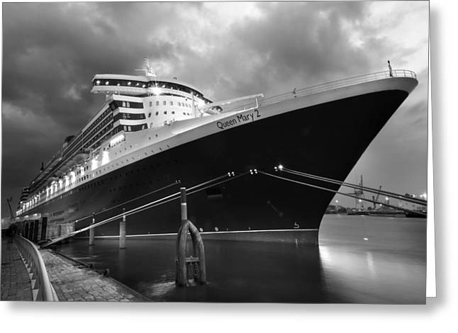 Queen Mary 2 In Hamburg Greeting Card by Marc Huebner