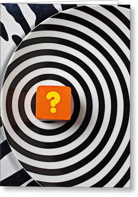 Question Mark On Circle Plate Greeting Card by Garry Gay