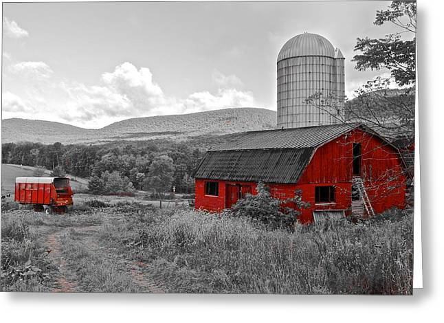 Pennsylvania Dutch Greeting Cards - Red Barn Greeting Card by Frozen in Time Fine Art Photography