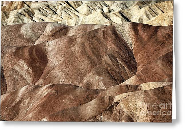 Red Sand Patterns Greeting Card by John Rizzuto