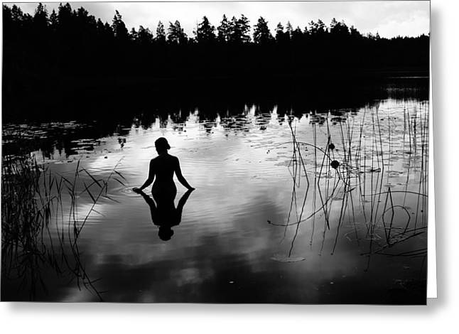 Naked Greeting Cards - Reflecting Beauty v2 Greeting Card by Nicklas Gustafsson