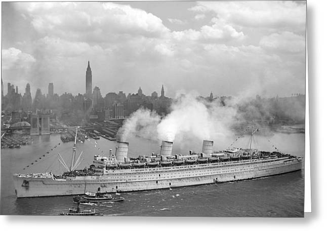Ww11 Photographs Greeting Cards - RMS Queen Mary Arriving In New York Harbor Greeting Card by War Is Hell Store