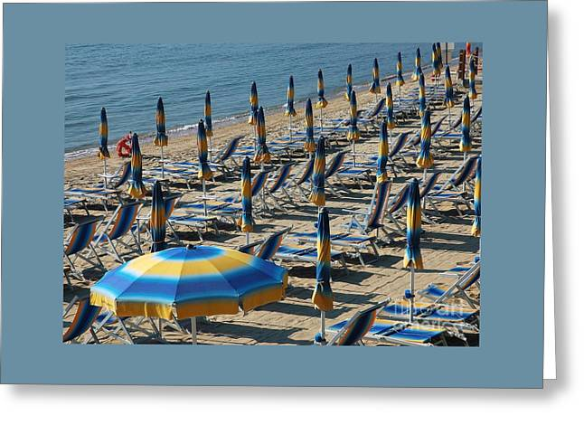 Sand Pattern Greeting Cards - Umbrella Symmetry Greeting Card by Allen Beatty