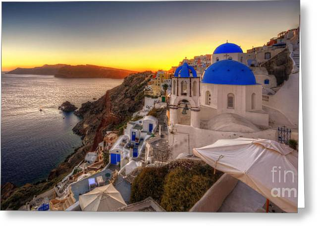 Santorini Sunset Greeting Card by Yhun Suarez