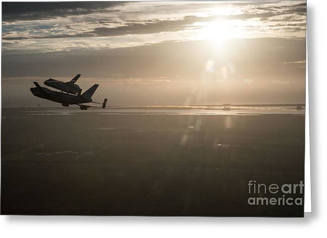 Are Plane Greeting Cards - Space Shuttle Endeavour Greeting Card by Paul Fearn