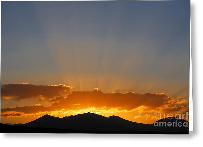 Sunrise Over Mountains Greeting Card by Robert Preston