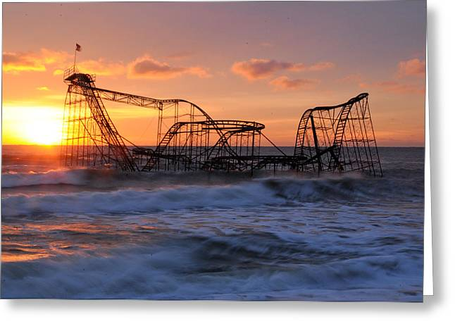 Casino Pier Greeting Cards - Sunrise over the JetStar Greeting Card by Desiree DeLeeuw