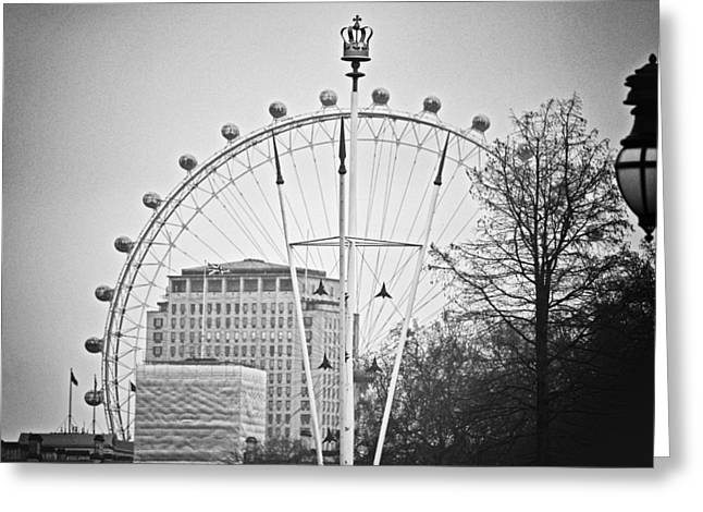 Spokes Greeting Cards - The Queens Eye BW Greeting Card by Christi Kraft