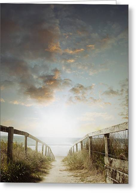 To The Beach Greeting Card by Les Cunliffe