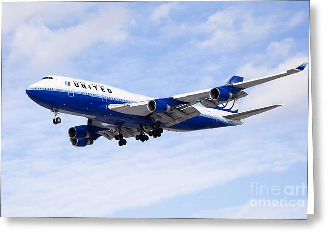 Descend Greeting Cards - United Airlines Boeing 747 Airplane Flying Greeting Card by Paul Velgos