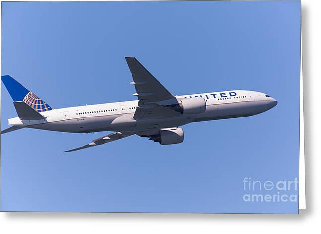 United Airlines Passenger Plane Greeting Cards - United Airlines Jet 5D29541 Greeting Card by Wingsdomain Art and Photography