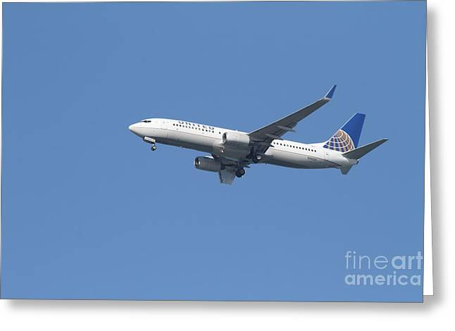 United Airlines Passenger Plane Greeting Cards - United Airlines Jet 7D21942 Greeting Card by Wingsdomain Art and Photography