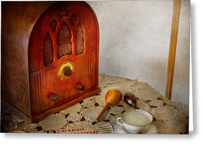 Vintage - What's on the radio tonight Greeting Card by Mike Savad