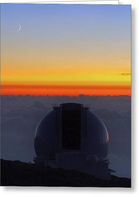 Telescope Dome Greeting Cards - William Herschel Telescope Greeting Card by Science Photo Library