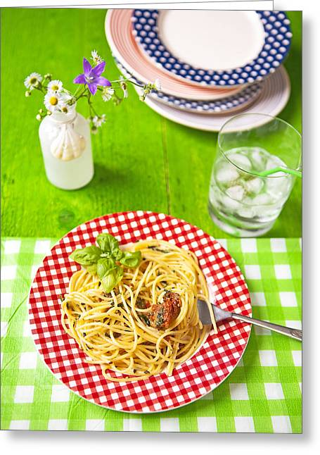 Spaghetti Noodles Greeting Cards - Spaghetti al pesto Greeting Card by Joana Kruse