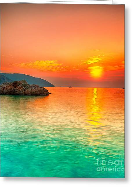 Amazing Sunset Greeting Cards - Sunset Greeting Card by MotHaiBaPhoto Prints