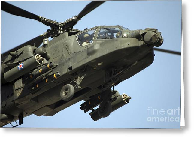 Baghdad Greeting Cards - An Ah-64 Apache In Flight Greeting Card by Terry Moore