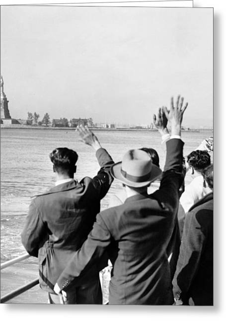 Qed Photographs Greeting Cards - Statue Of Liberty Greeting Card by Granger