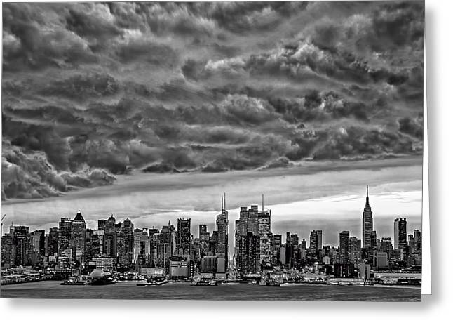 Angry Skies Over Nyc Greeting Card by Susan Candelario
