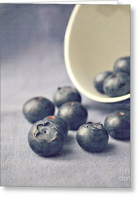 Greeting Cards - Bowl of Blueberries Greeting Card by Lyn Randle