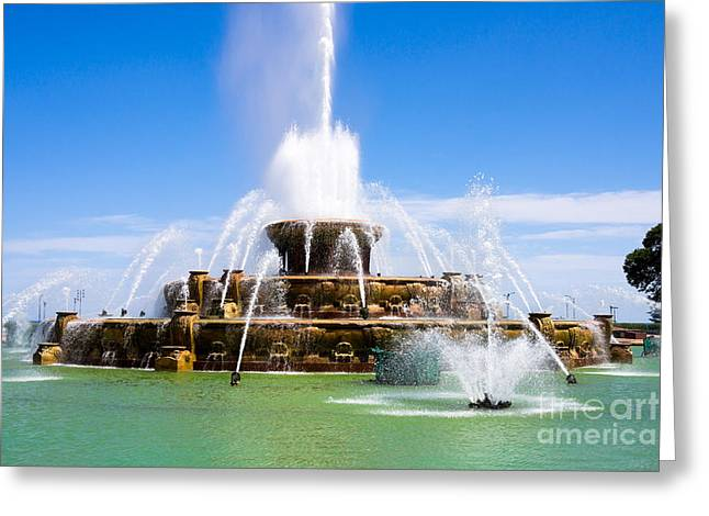 Spraying Greeting Cards - Chicago Buckingham Fountain Greeting Card by Paul Velgos