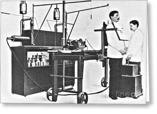 Medical Medical Imaging Greeting Cards - Early 20th Century X-ray Machine Greeting Card by Science Source