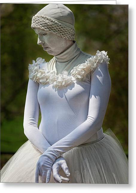 Statue Portrait Greeting Cards - Living Statue Street Performer Greeting Card by Robert Ullmann
