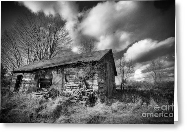 Old Dramatic Barn Hdr Greeting Card by Joe Gee