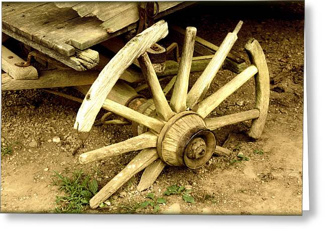 Gatlinburg Tennessee Greeting Cards - Old Wagon Wheel Greeting Card by Susie Weaver