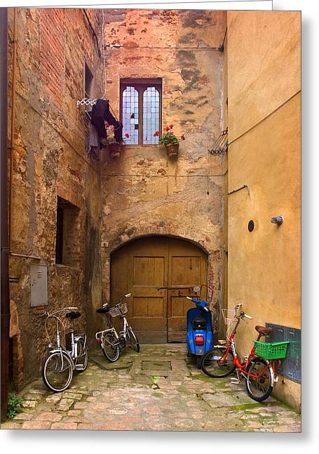 Hilltown Greeting Cards - Pienza Alleyway Greeting Card by Al Hurley