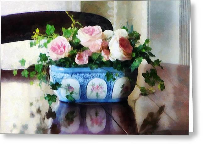 Pink Roses And Ivy Greeting Card by Susan Savad