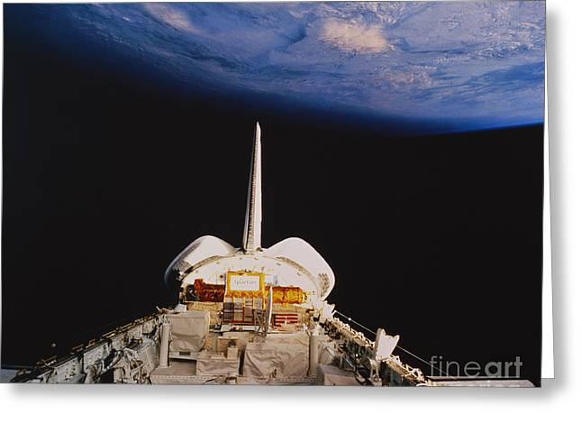 Transporation Greeting Cards - Space Shuttle Discovery Greeting Card by Science Source