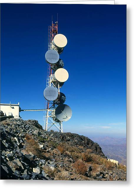 Telecommunications Greeting Cards - Telecommunications Tower For Relaying Microwaves Greeting Card by David Parker