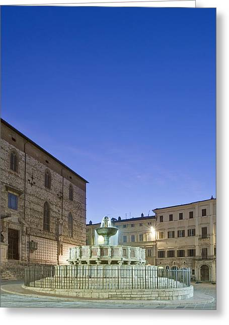 Town Square Greeting Cards - The Landmark Fontana Maggiore Greeting Card by Rob Tilley