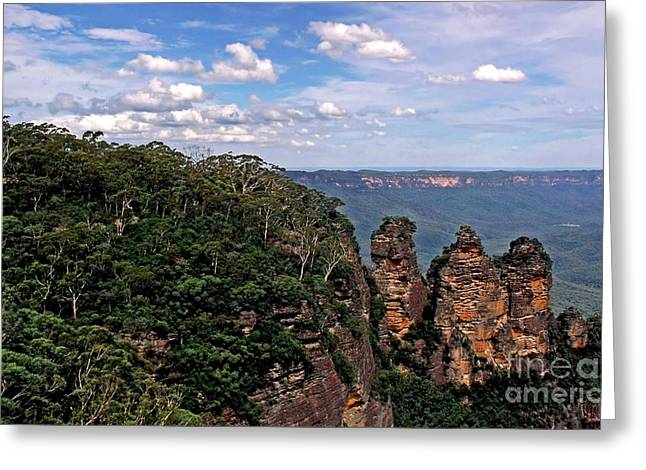 The Plateaus Greeting Cards - The Three Sisters - The Blue Mountains Greeting Card by Kaye Menner