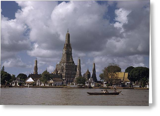 Art Of Building Greeting Cards - The Wat Arun Temple Towers Greeting Card by W. Robert Moore