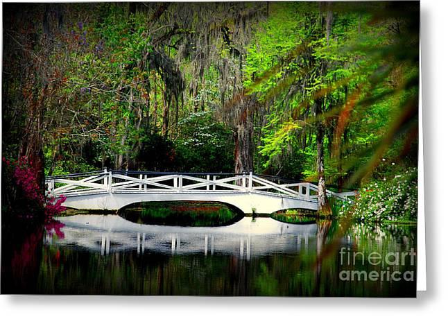 Susanne Van Hulst Greeting Cards - The white bridge in Magnolia Gardens SC Greeting Card by Susanne Van Hulst