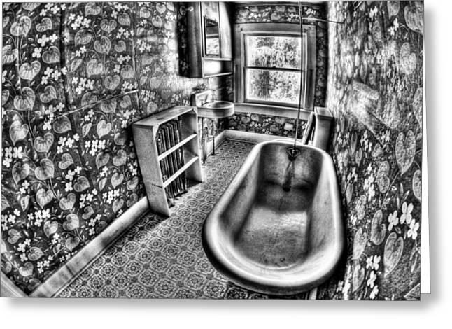 Bathtub Greeting Cards - Tub Greeting Card by Tom Melo